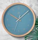 horloge murale aspect bois