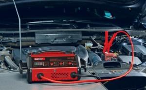 chargeur de batterie pour voiture avec aide au demarrage